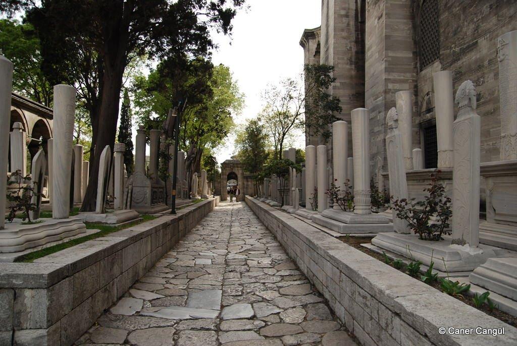 Süleymaniye Külliyesi Haziresinden | Caner Cangül Fotoğrafları