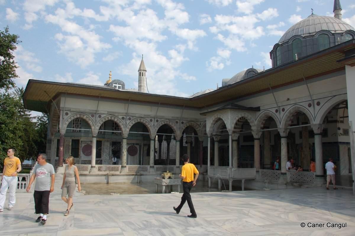 Topkapı Sarayı Revan Köşkü ve Önündeki Havuz | Caner Cangül Fotoğrafları