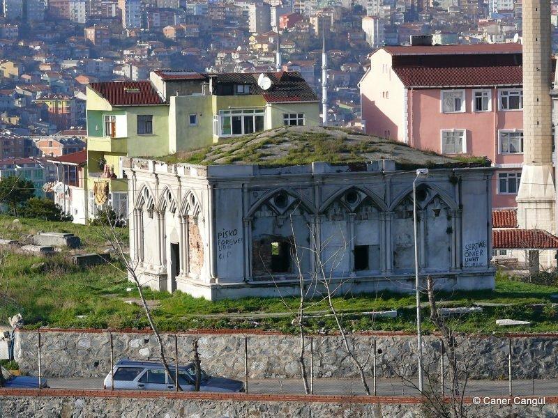 Avram Kamondo'nun Anıt Mezarı